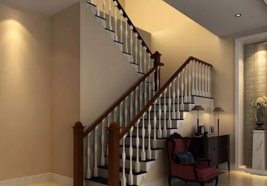 对比三种不同材质楼梯的优缺点:      混凝土结构的楼梯,用配有