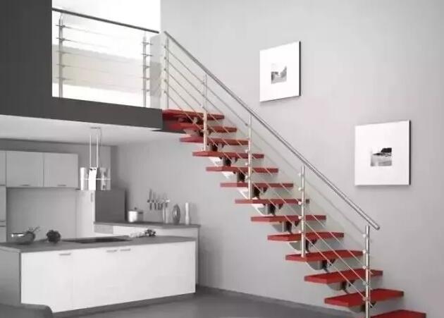 青岛李沧区惠水和苑定制安装钢木楼梯